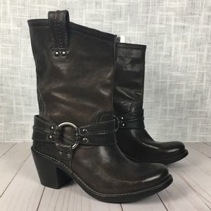 Frye Carmen short leather harness boot, size 6